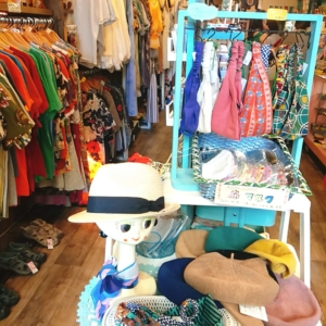 奈良駅周辺にあるレトロで可愛い服を販売している古着屋さん